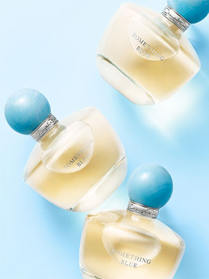 Oscar De La Renta Something Blue additionally Trend Alert Bridal Blues additionally Oscar De La Renta Opens First Uk Store additionally 9 Bold Wedding Nail Polish Sha additionally 1914 Un Perfume Para Novias Something Blue. on oscar de la renta something blue larimar